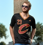 Men's Cleveland Cavaliers LeBron James adidas Black New Swingman Sleeved Jersey