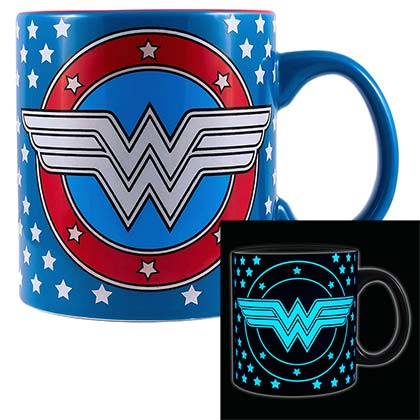 WONDER WOMAN Glow In The Dark 20oz Coffee Mug